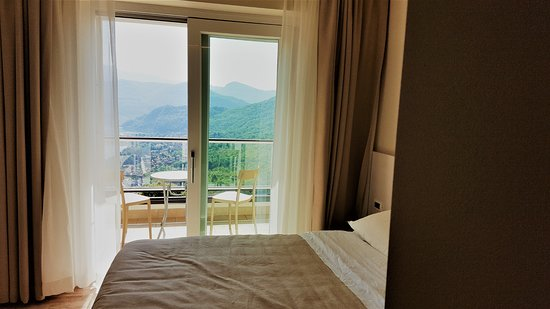 Viconago, Italien: room with lake view