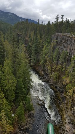 Whistler Bungee: River underneath the jump
