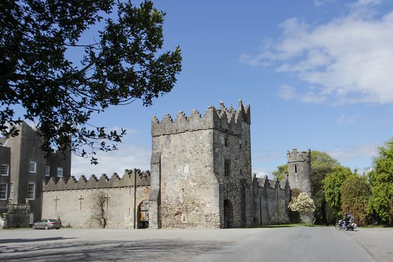 Howth Castle: sunny day at the Castle