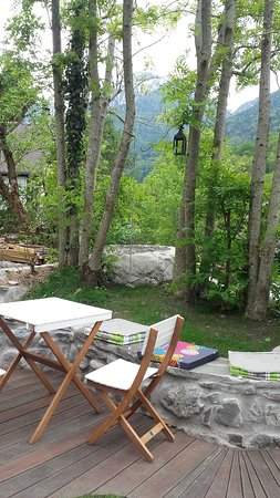 Valbonnais, Frankreich: Terrasse et jardin
