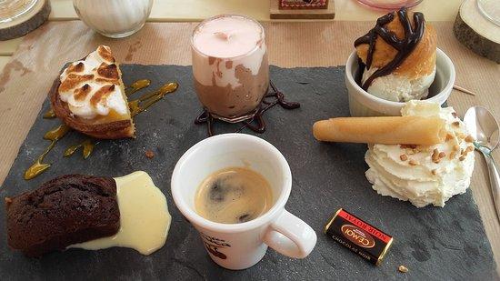 Valbonnais, Frankreich: Le café gourmand.... une merveille pour les papilles
