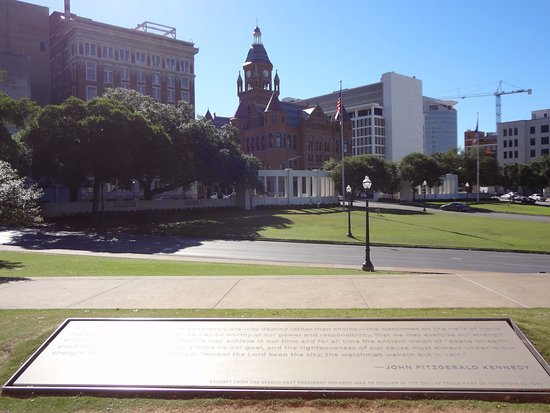 Dealey Plaza National Historic Landmark District: A must see when you visit Dallas
