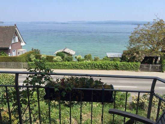 Berlingen, İsviçre: Aussicht vom Zimmer Mohn auf den Bodensee