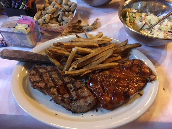 Bubba's Roadhouse & Saloon: Steak&Salmon Combo