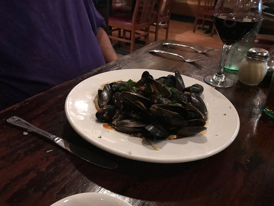 Ciao Wood Fired Pizza and Trattoria: MMM. Mussels...