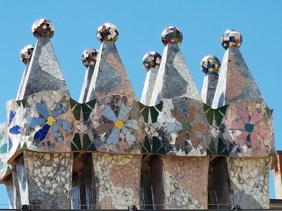 カサバトリョ屋上煙突