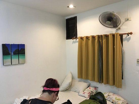 K.L. House AoNang: Fanned Room near Lobby