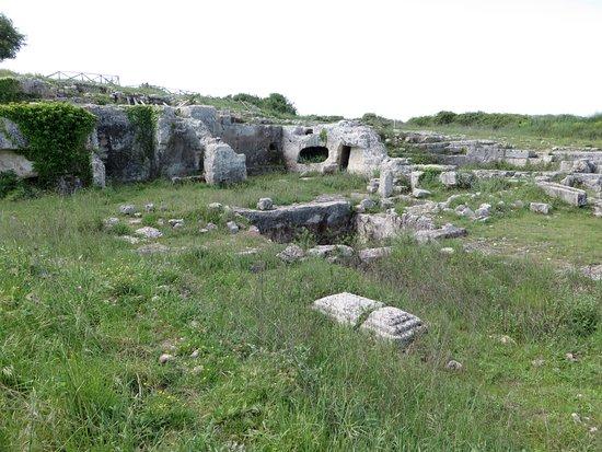 Teatro Greco: edificio termale nei pressi del teatro