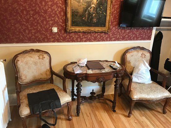 Waverley Inn: Nice old furniturs