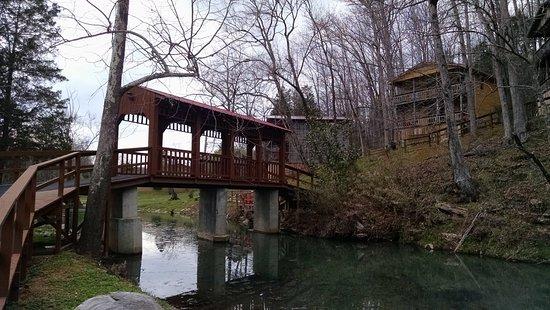 Waynesboro, TN: Cabins