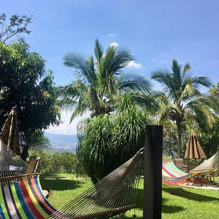 Pilas, Costa Rica : Hummingbirds, hawks, hammocks and heavenly views make this paradise a great destination.