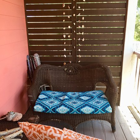 Front Porch: Couch time