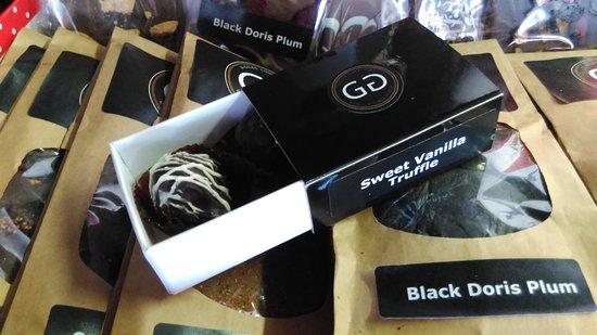 New Plymouth, New Zealand: Giles Chocolatier visit as part of our Taste Taranaki Tour