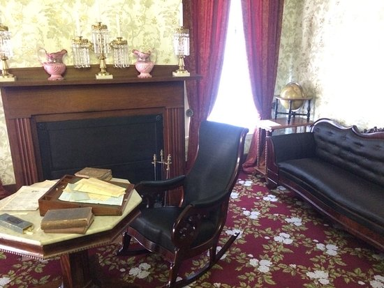 Lincoln Home National Historic Site: Parlor