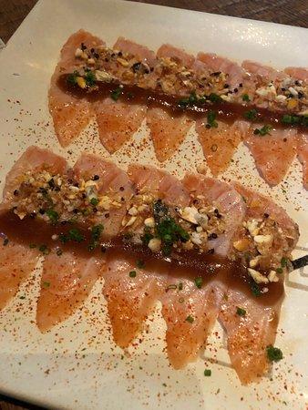 Osaka Cocina Nikkei: Salmon tartar