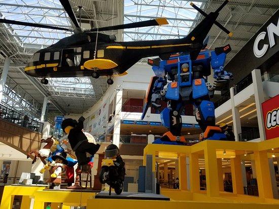 Lego Imagination Center: 20180505_140544_large.jpg