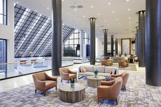 Doubletree by Hilton Near the Galleria: Lobby