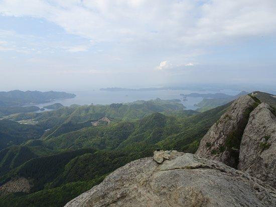 Tsushima, اليابان: 山頂からの景色