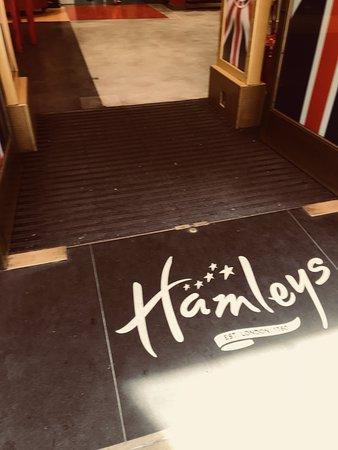 Hamleys London - Regent Street: العاب في لبعاب