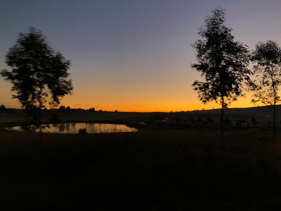Yering, Αυστραλία: Sunset of golf course
