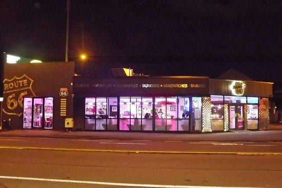 Diner 66: night light.....