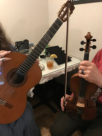 Monrovia, CA: A taste of classical Croatian tunes from sweet voices and instruments!
