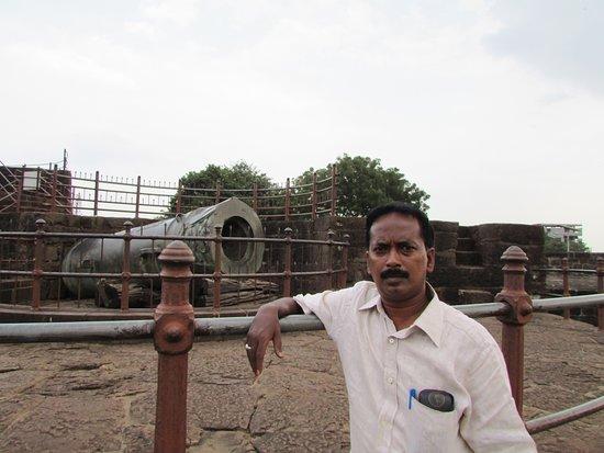 Malik-i-Maidan: malik i maidan