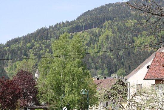 Weissbriach, النمسا: Paese e vista dalla camera di Weisserbriach