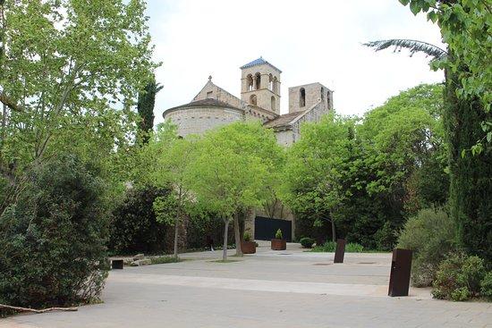 Vista General Del Monasterio Picture Of Mon St Benet Sant Fruitos