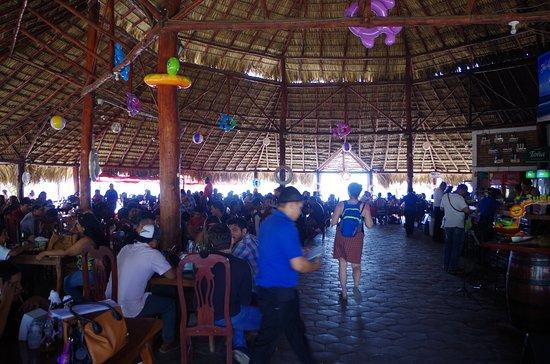 Corinto, Nicaragua: Salle de restaurant
