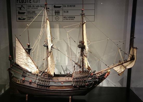 M/S Maritime Museum of Denmark: Smuk gammel skibsmodel