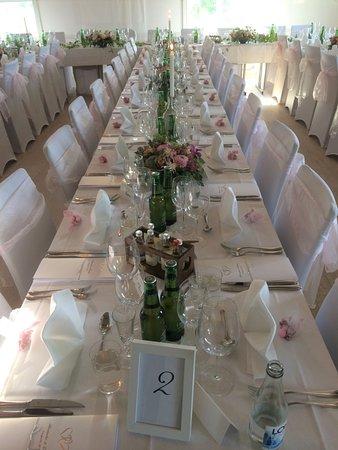 Danderyd, Σουηδία: Så underbart med försommarbröllop!