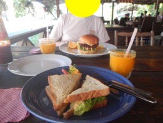 Cactus Restaurant: 美味しい朝食、マンゴージュースも美味しい