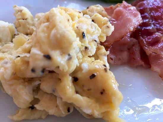 Karingon, สวีเดน: Scrambled egg, custom made