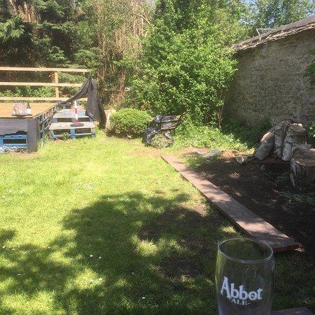 The Boat Inn: Garden is a tip!