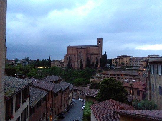 Roccastrada, Italy: IMG_20180504_202005_large.jpg
