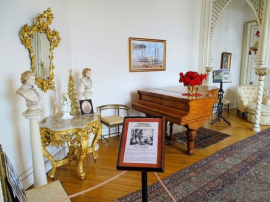 Jeffersonville, IN: parlor or music room