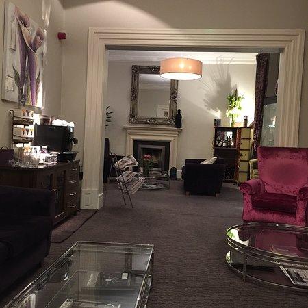 The Fleet Street Hotel: Bella area relax pulita e comoda