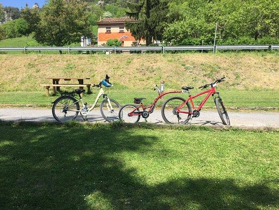 Villanueva De Santo Adriano, Spain: bicicletas, una con semitandem de Weeride