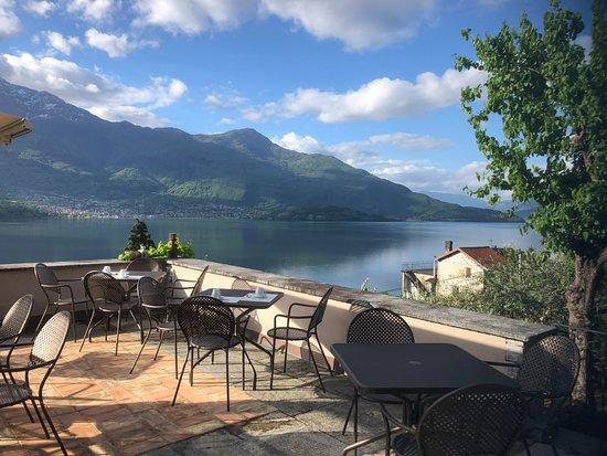 Trezzone, Italia: view from the breakfast terrace