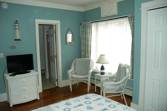 Elizabeth Rose House: Room #5 seating area