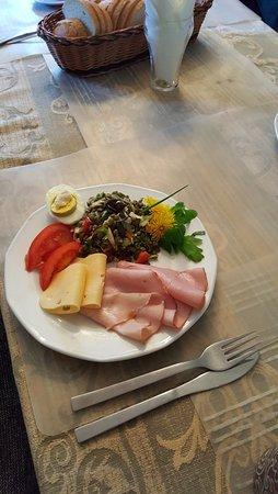 Dobre Miasto, Pologne: typowe śniadanie