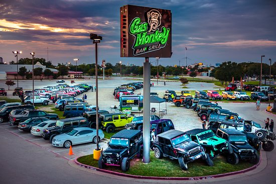 DONT EAT HERE !!! - Review of Gas Monkey Bar N' Grill