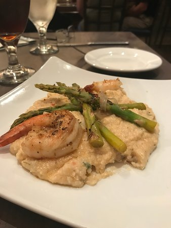 Della Voce: Blackened shrimp with grits was AMAZING
