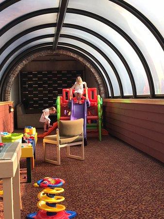 Fairmont Hot Springs Resort: 2nd floor play area