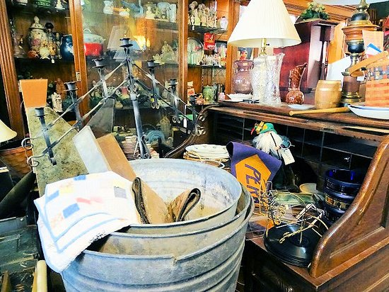 Antiques At Douglass Loop