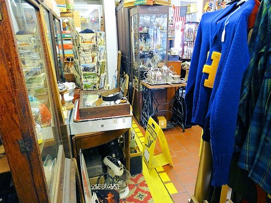 Anna J Shaes Antiques & Collectibles