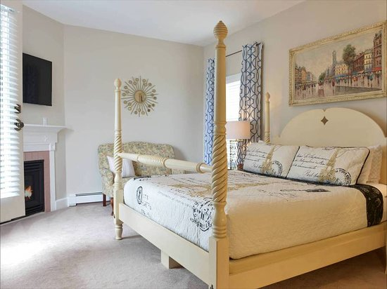 Beech Tree Inn and Cottage: Suite
