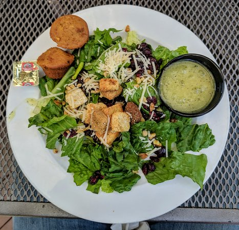 Grand Rapids, OH: Cranberry Walnut Salad