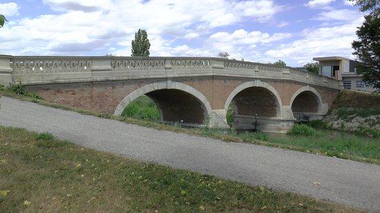 Senec, Σλοβακία: Fotografia vznikla počas návštevy tejto peknej obce. Most v Kráľovej je skutočná rarita na území